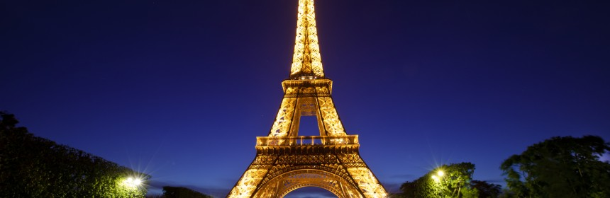 A night View of the Eiffel Tower.